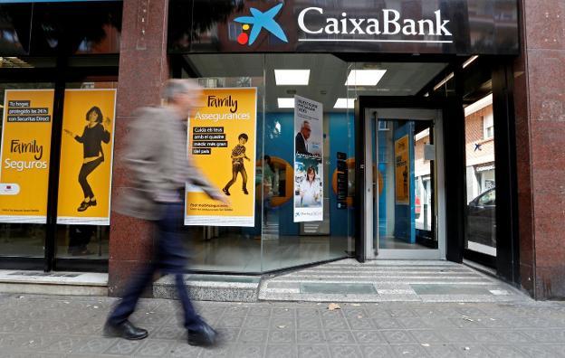 Caixabank devuelve la mitad de las reclamaciones a sus for Clausula suelo caixabank