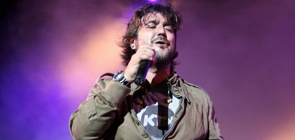 Antonio Orozco cancela cuatro conciertos por la muerte de la madre de su hijo