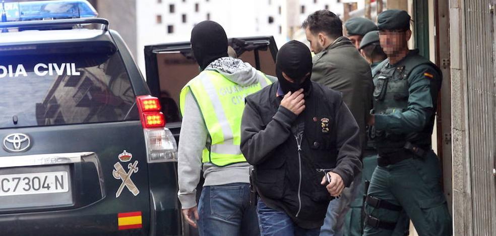 Cinco detenidos por enaltecimiento del terrorismo en redes sociales