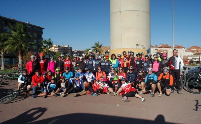 MUJERES Y BICICLETA EN CALAHORRA