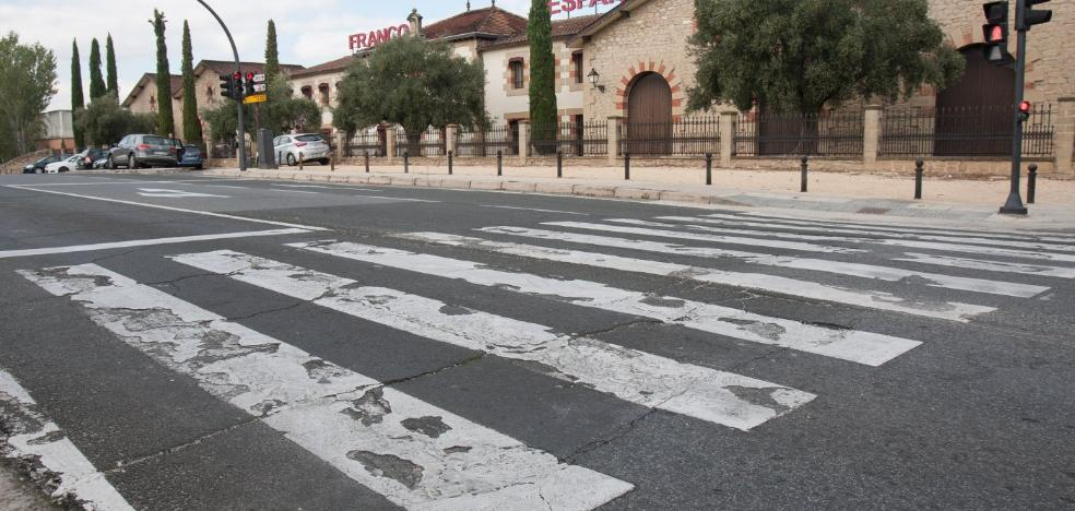 El paso de Franco Españolas sigue necesitando una mano de pintura