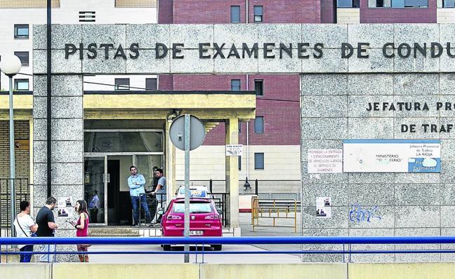 La extensión de la huelga de examinadores lleva «al límite» a las autoescuelas riojanas