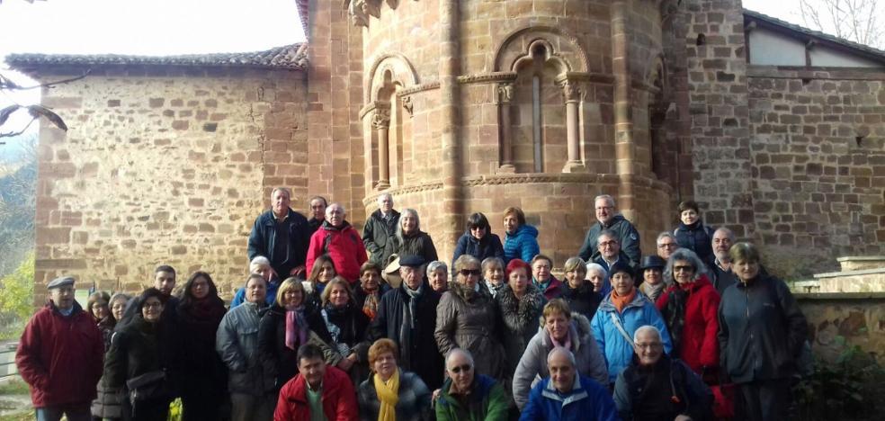 43 personas en la ruta por el románico del Alto Oja
