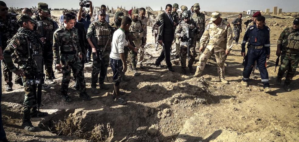 Irak descubre una fosa del Daesh con 400 muertos