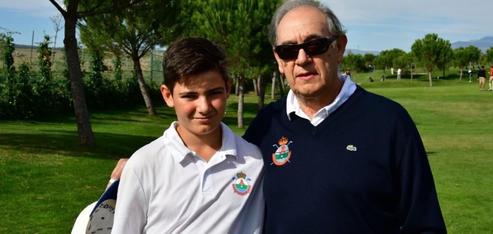 Abuelo y nieto, unidos por el golf