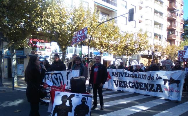 Unas 300 personas se manifiestan por el aniversario del 14N