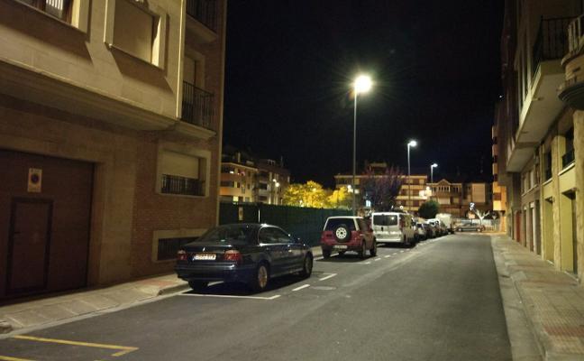Lardero renueva las luminarias de varias calles para lograr un ahorro energético «importante»