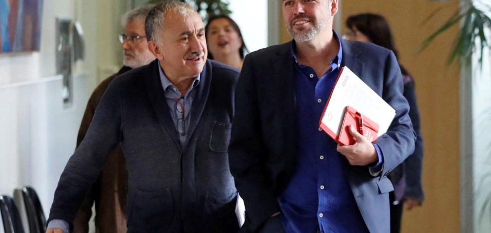Gobierno y sindicatos acercan posturas en el despido de 20 días para los temporales