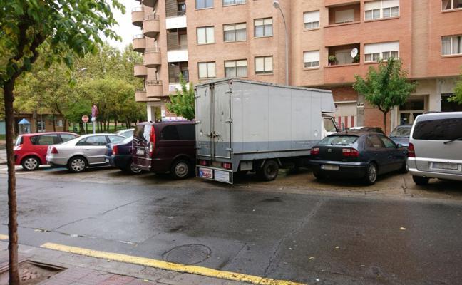 La Guindilla: aparcados donde no deben