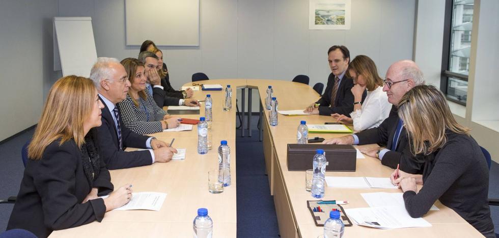 Ceniceros pide en Bruselas una PAC que luche contra la despoblación