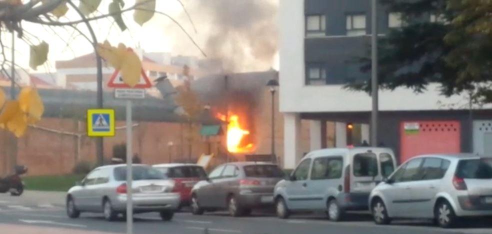 Incendio en una casa abandonada de la calle Piqueras de Logroño