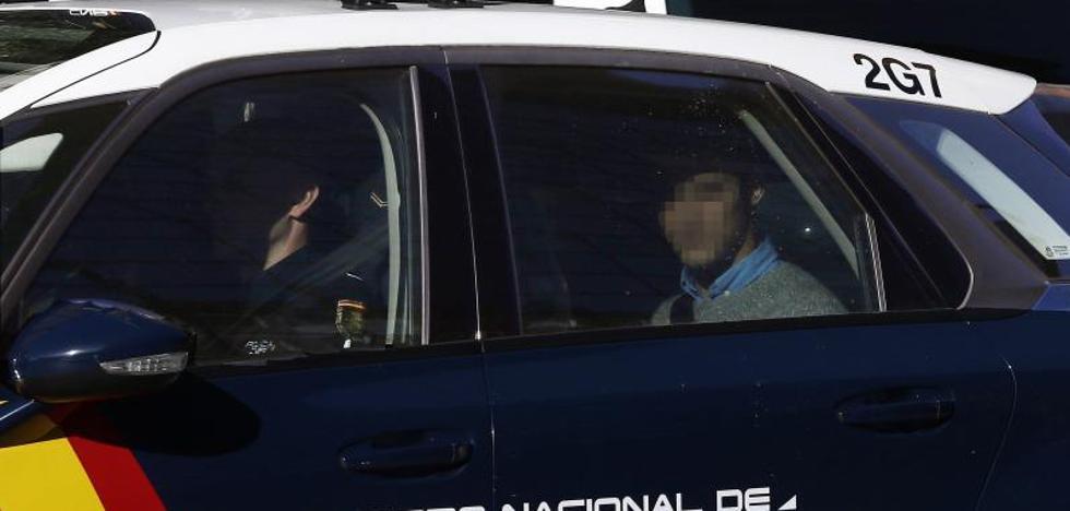 La defensa de 'La Manada' retira el informe de los detectives sobre la víctima