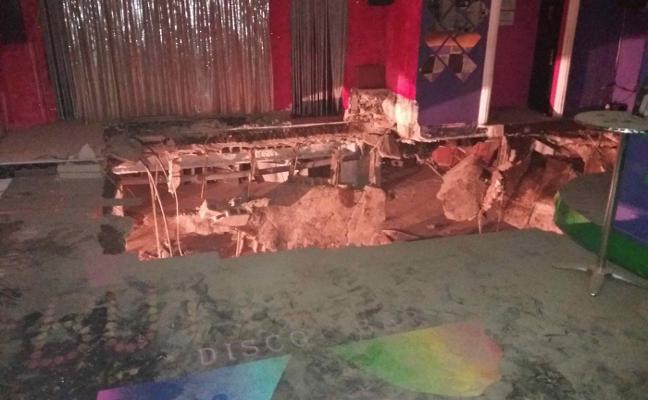 Heridas 40 personas al desplomarse el suelo de una discoteca de Tenerife