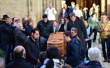Emotivo último adiós a Bastida