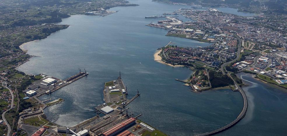 La presencia del mar domina en esta ciudad que nació como villa pesquera y se afianzó como enclave militar