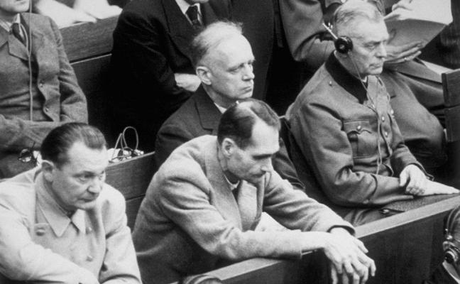 SUICIDIO EN NÚREMBERGEl veneno oculto de Göring