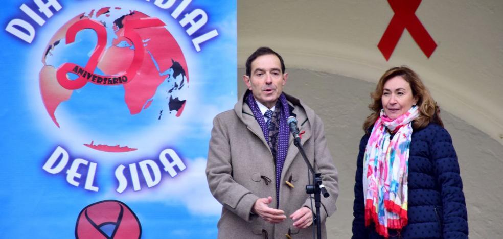 Acto en El Espolón en el Día de Lucha contra el Sida