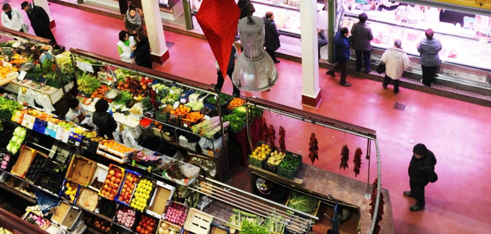El Ayuntamiento cederá la gestión del mercado de San Blas a manos privadas