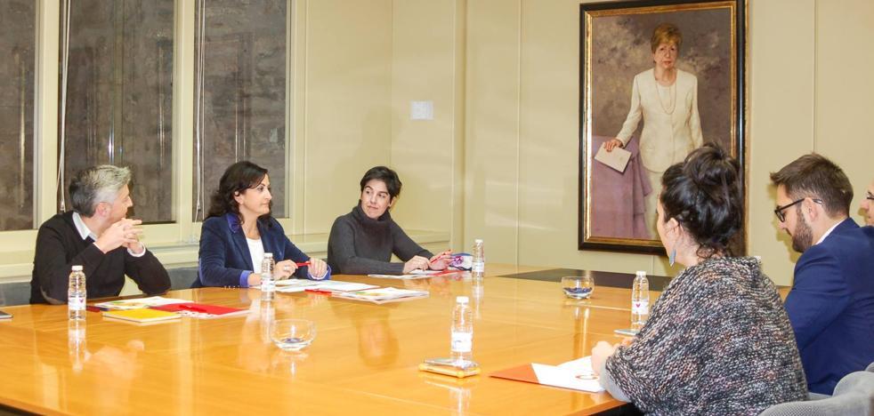 El PSOE propone incrementar en casi 100 millones el presupuesto de La Rioja