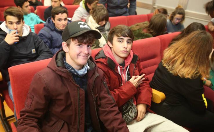 Estudiantes de La Laboral aprenden sobre la Constitución
