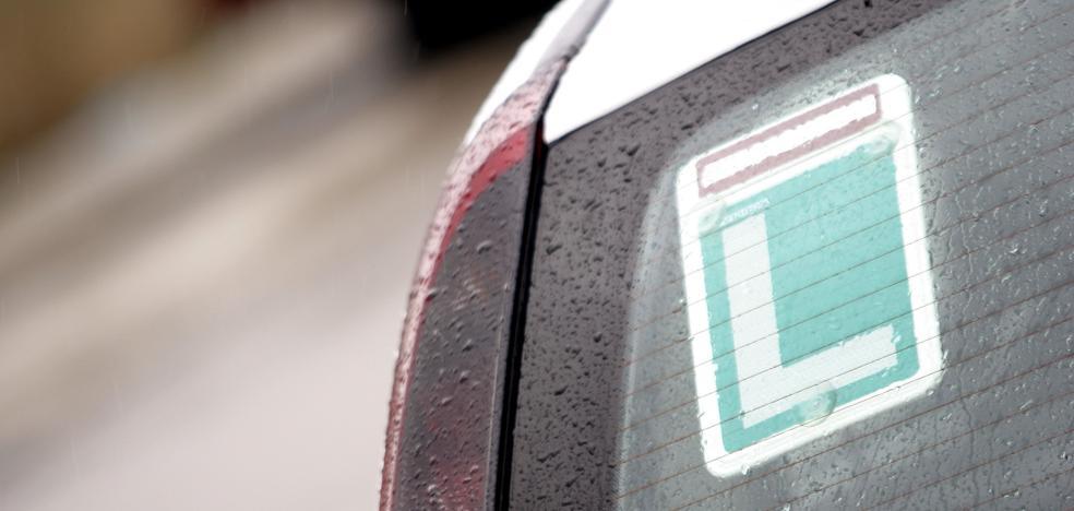 Siete de cada diez conductores suspendería el examen teórico
