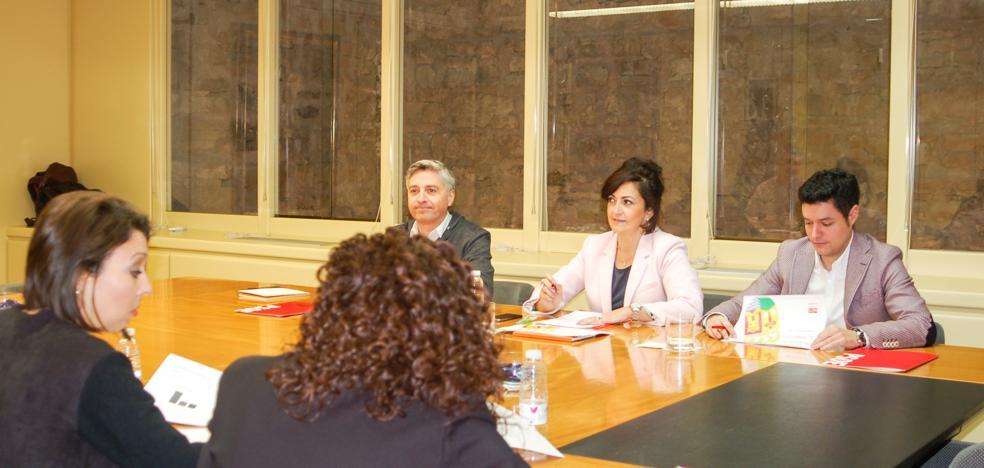 Podemos emplaza al PSOE a presentar una moción «para sacar al PP del Gobierno»