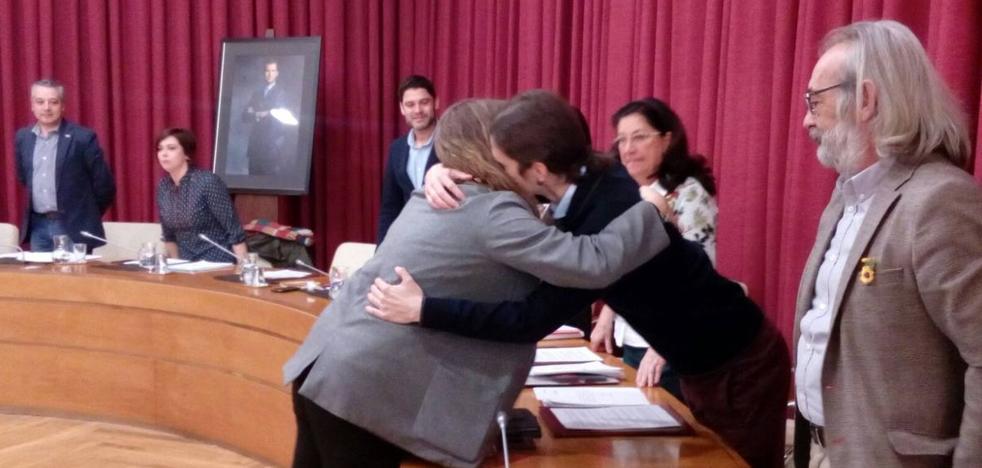 La nueva concejala de Cambia promete su cargo «por imperativo legal»