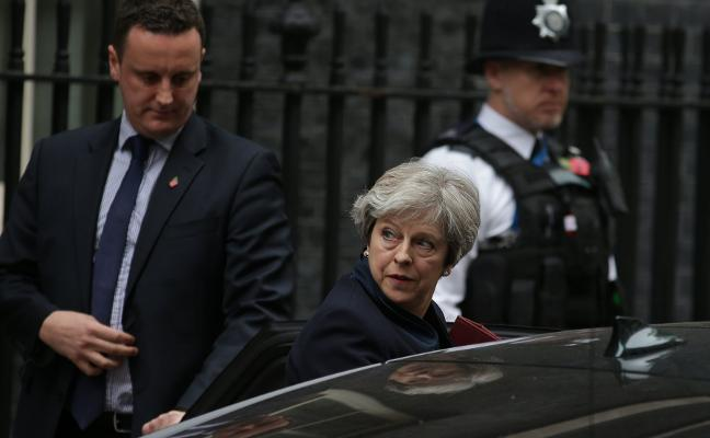 Dos jóvenes musulmanes planearon asesinar a May en Downing Street