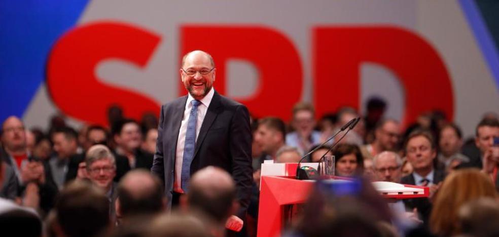 El SPD aprueba abrir el diálogo con la CDU de Merkel sobre el nuevo gobierno alemán