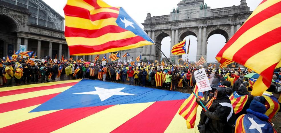 El secesionismo catalán lleva su causa al corazón de la UE e inunda las calles de Bruselas