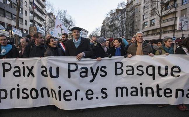 Miles de manifestantes exigen en París el fin del «régimen de excepción» para los presos de ETA