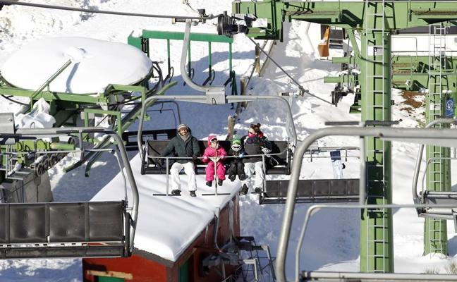 Diez mil esquiadores, puntuales en su cita con Valdezcaray
