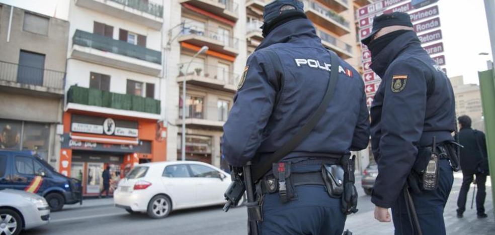Arrestados tres jugadores de la Arandina por presuntos abusos sexuales