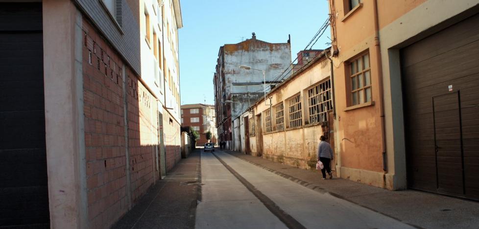 La calle Raure de Nájera, con aceras