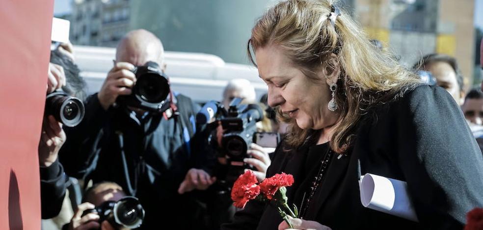 Dos años de cárcel a los internautas que vejaron a Pilar Manjón