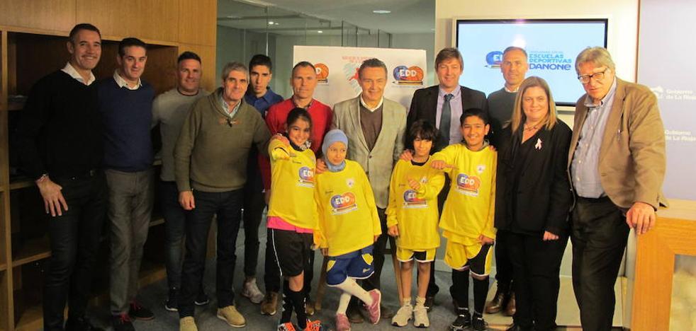 La Escuela Deportiva Danone atenderá a 60 niños del CEIP Madre de Dios