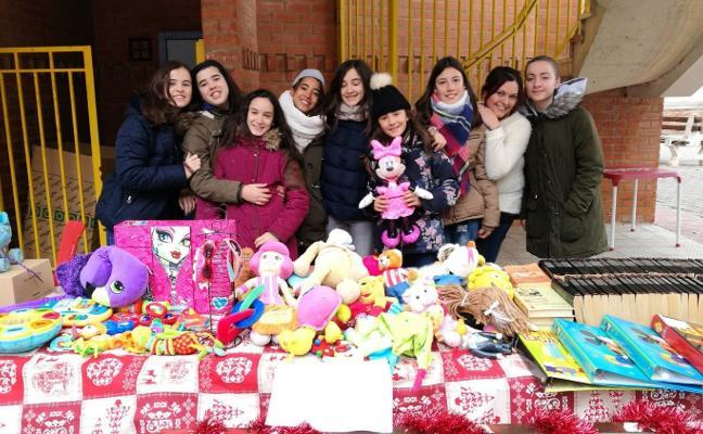 El centro joven celebró el mercadillo solidario