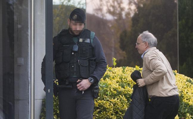 La Guardia Civil registra la empresa Unipost en busca de facturas del 1-O