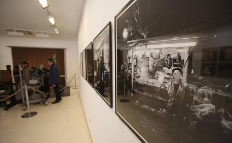 La exposición fotográfica 'El rostro de una ciudad' (Archivos Jalón-Ángel y Payá 1935-2000)