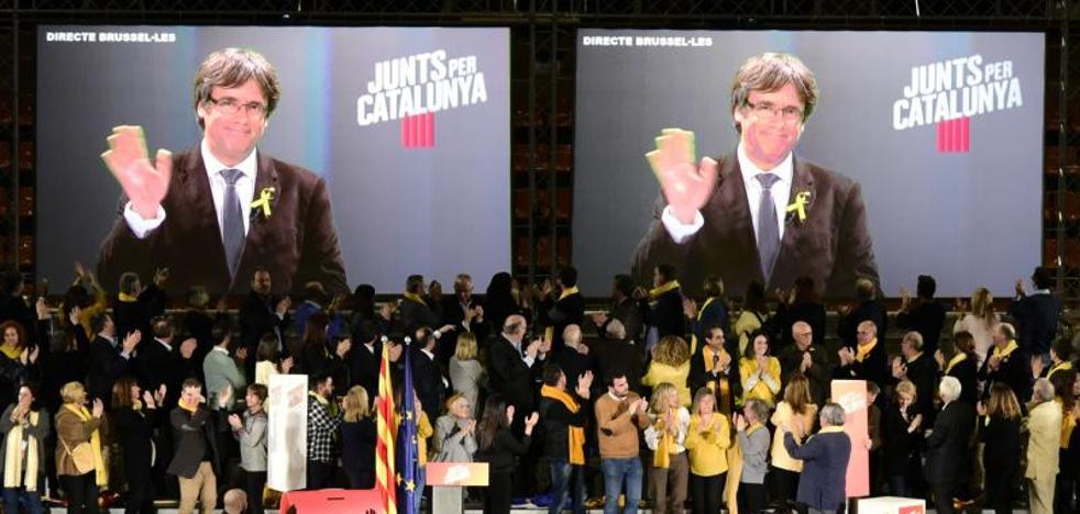 Puigdemont: «El frente del 155» no vencerá a la escuela catalana