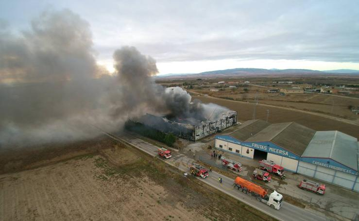 Incendio en Frutas Micersa, en Alfaro