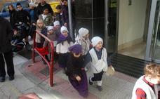 Villancicos y chocolate con los alumnos del CRA del Alhama y hoy llegada de Papá Noel