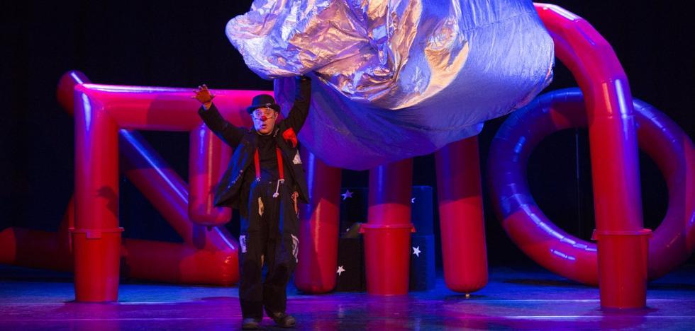 'Universario' para un pequeño gran teatro