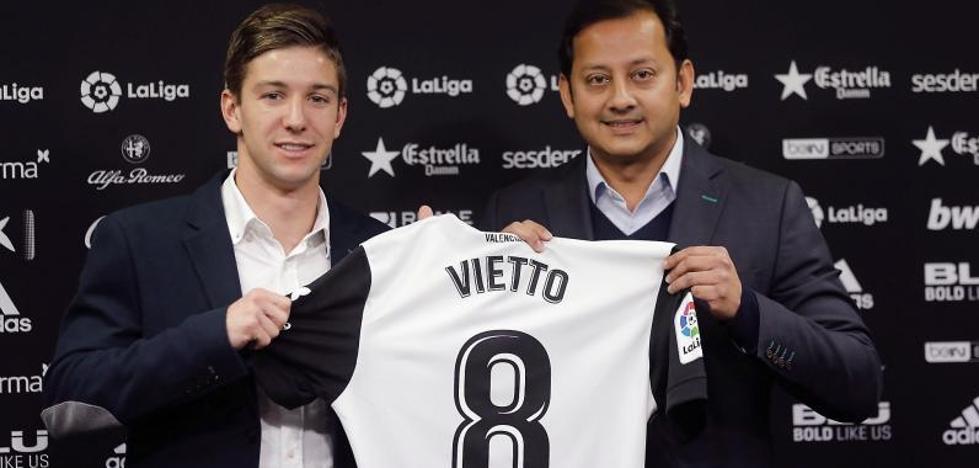 Vietto, cedido hasta junio al Valencia
