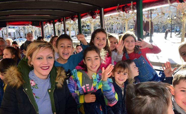 Disfrutando del tren turístico de Logroño