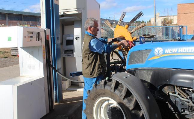 Malestar entre los agricultores por la limitación del repostaje en las cooperativas a 75 litros