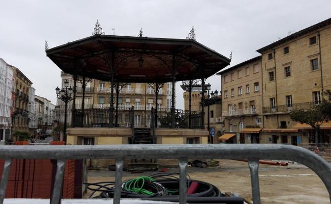 El Ayuntamiento de Haro retrasa un mes el final de las obras de la plaza de La Paz