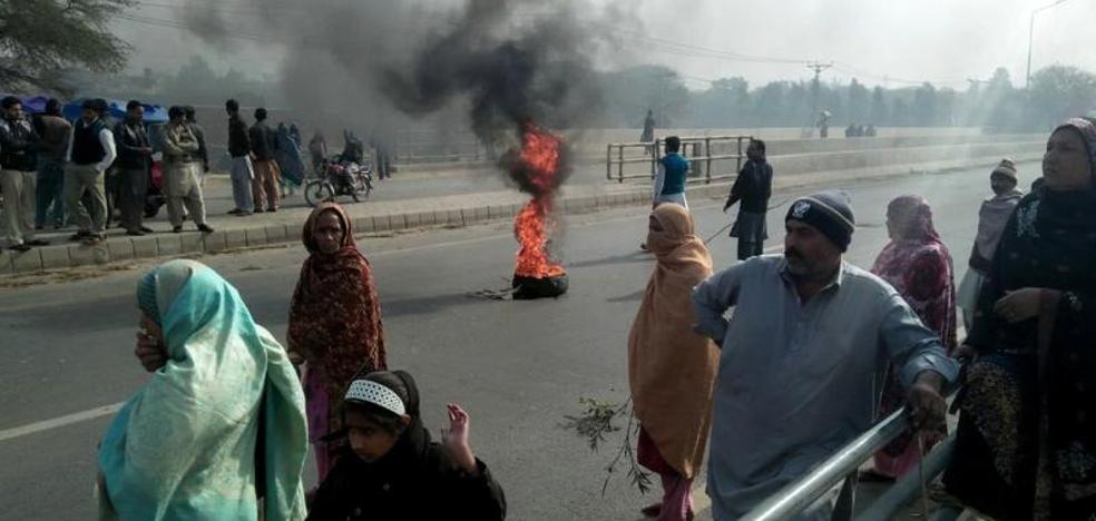 Protestas en la ciudad paquistaní donde violaron y asesinaron a una niña de 7 años