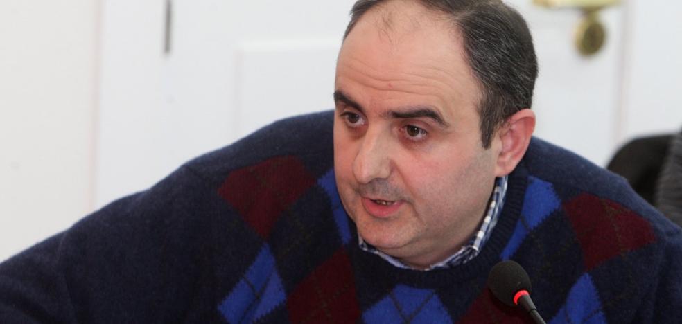 La alcaldesa recuerda al edil Martínez Arnáez que «la legalidad es la legalidad»