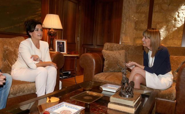 El PSOE propone eliminar el sueldo de la presidenta del Parlamento riojano